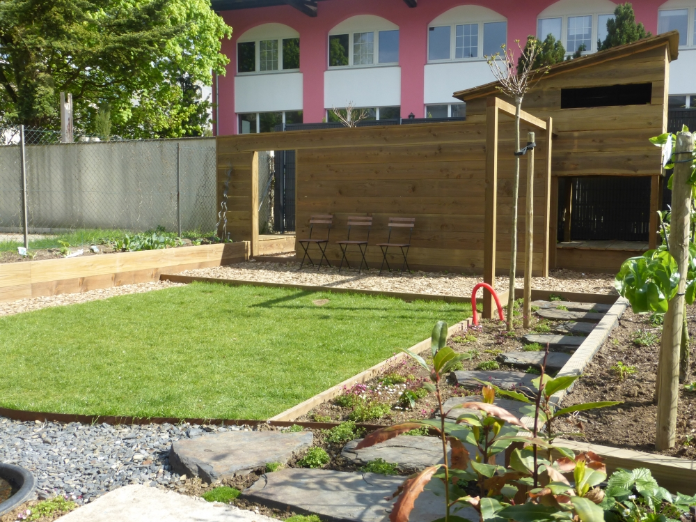 Cr ations petit jardin urbain auxylence entreprise et for Amenagement jardin urbain